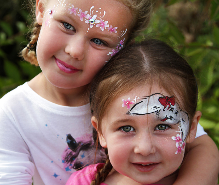 kids with facepaint
